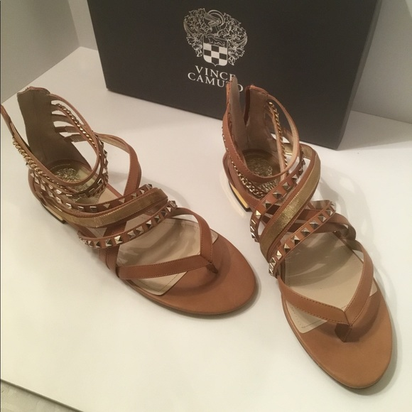 Vince Camuto tan leather strap sandals 9.5M